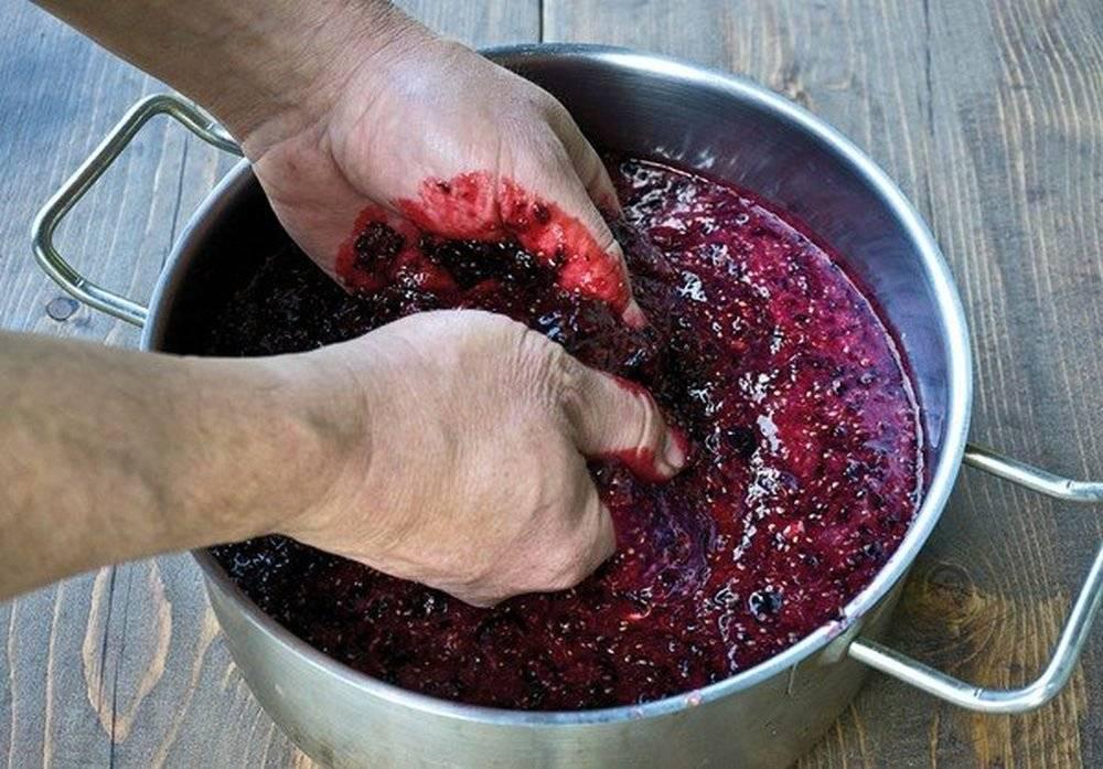 Вино из варенья в домашних условиях, простой рецепт