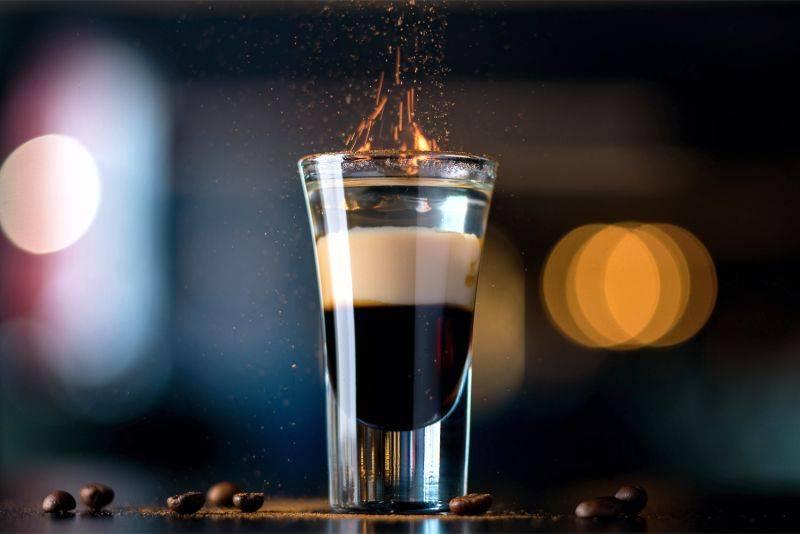 Состав коктейля б-52: как делать и как пить