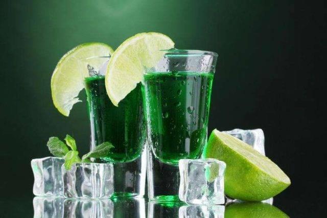 Как пить абсент, чтобы получить удовольствие и не навредить здоровью?