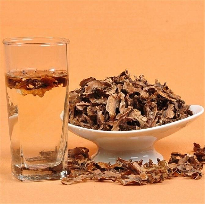 Особенности приготовления настоек из перегородок грецкого ореха для лечения разных болезней | скорлупы.нет