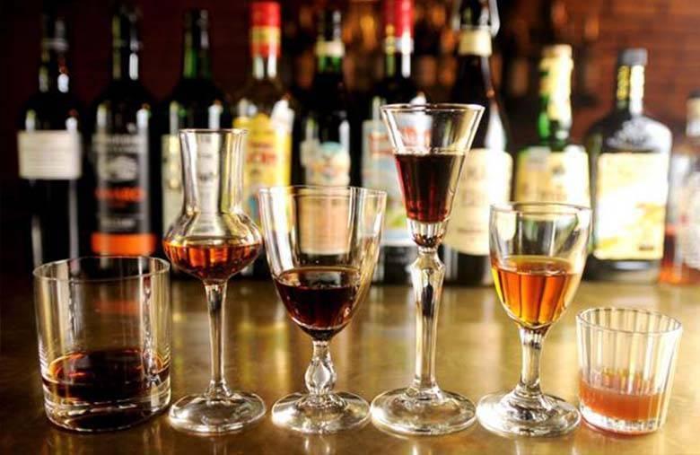 Какие напитки подают на аперитив и дижестив?