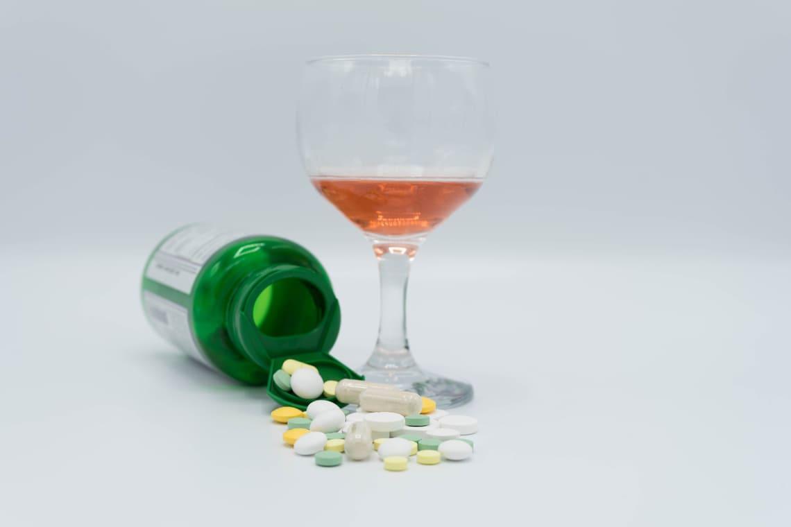 Сильное снотворное без рецептов совместимое с алкоголем