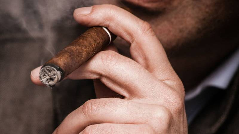 Как курить сигареты правильно?