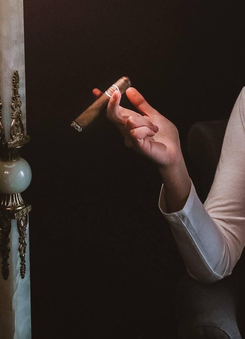 Все о курении сигар: как правильно курить сигару, как прикурить, как держать и как потушить - доктор петров