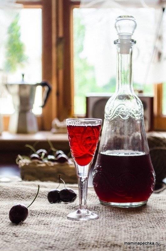 """Ликёр """"вишнёвый лист"""" и вино """"для здоровья"""" – кулинарный рецепт"""