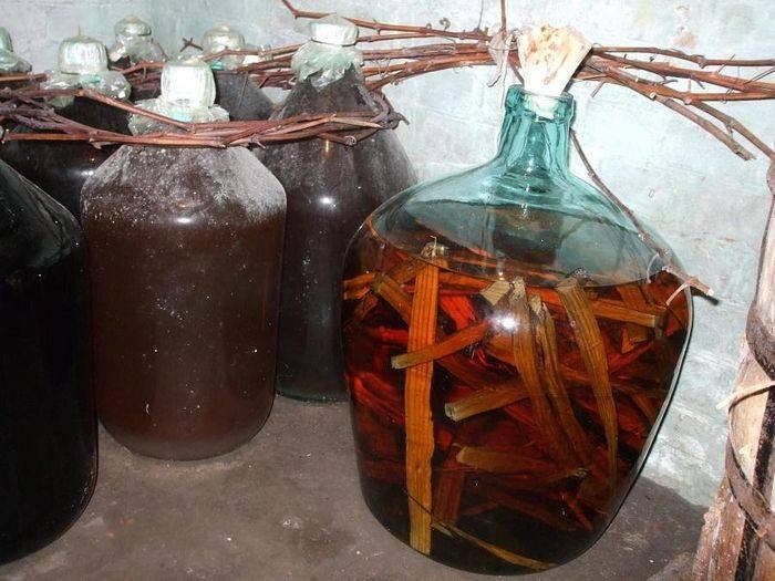Самогон на дубовой щепе: рецепты приготовления