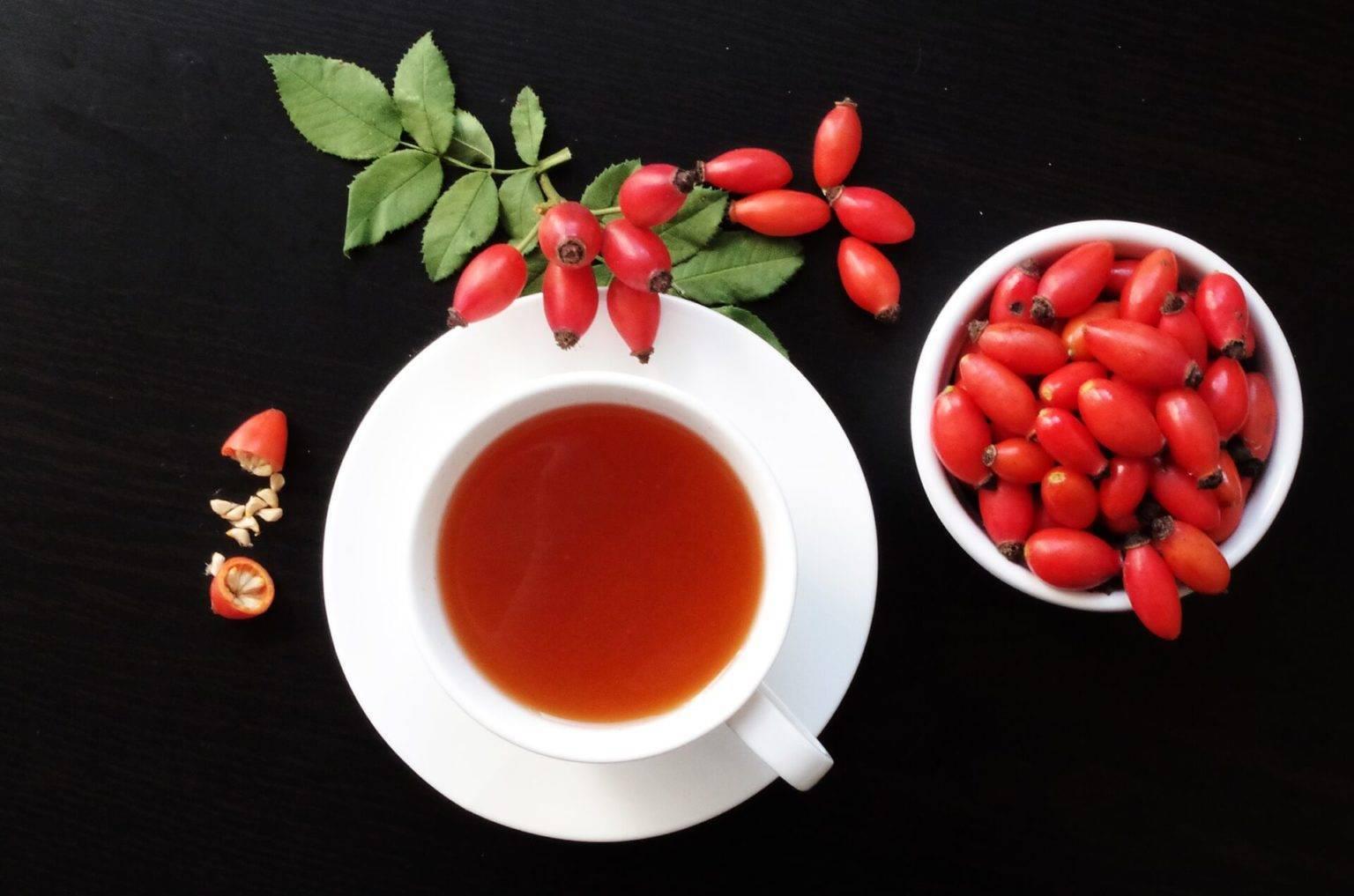 Рецепты настоек из шиповника на водке, спирте и самогоне