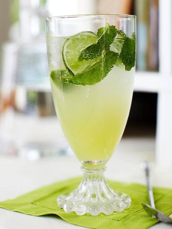 Как правильно и с чем пить мохито алкогольный в бутылке? как и с чем пьют алкогольный ликер мохито 40 градусов и слабоалкогольный: советы. с каким соком пьют мохито, чем закусывают?