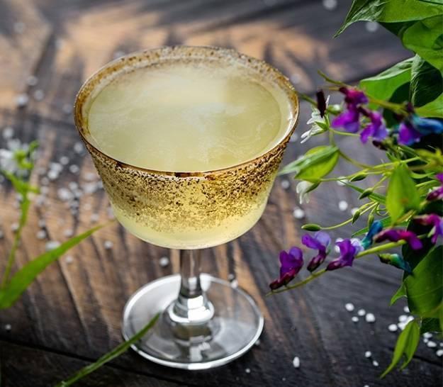 Традиции смешивания шампанского с водкой