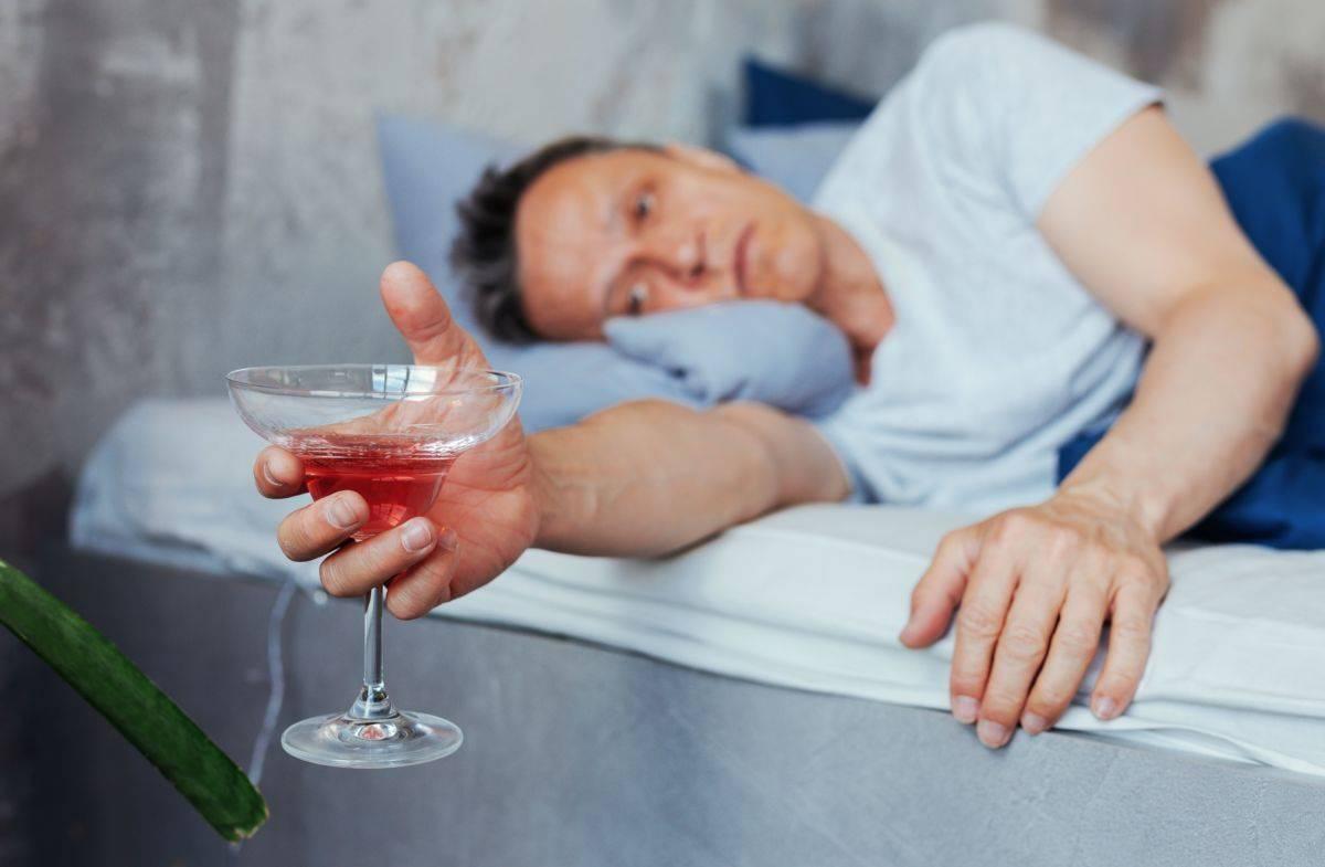 Как вывести алкоголь из организма и токсины быстро в домашних условиях