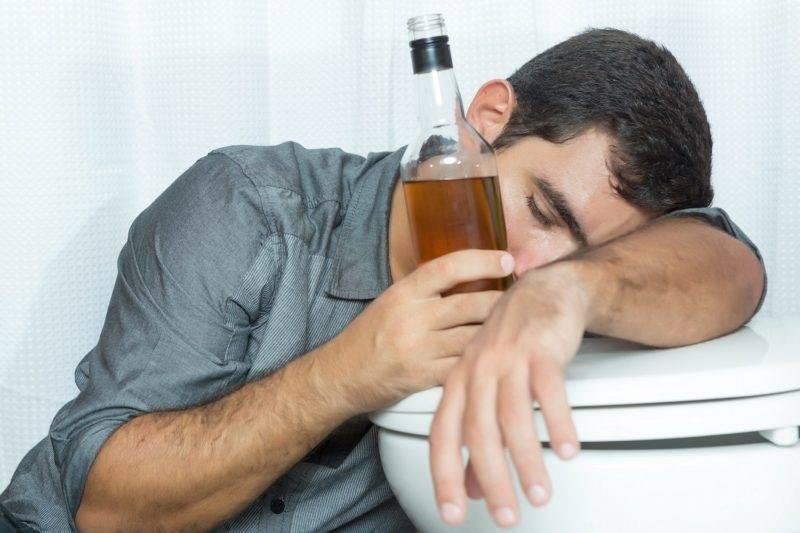 Метиловый спирт: чем опасен и как отличить от этилового