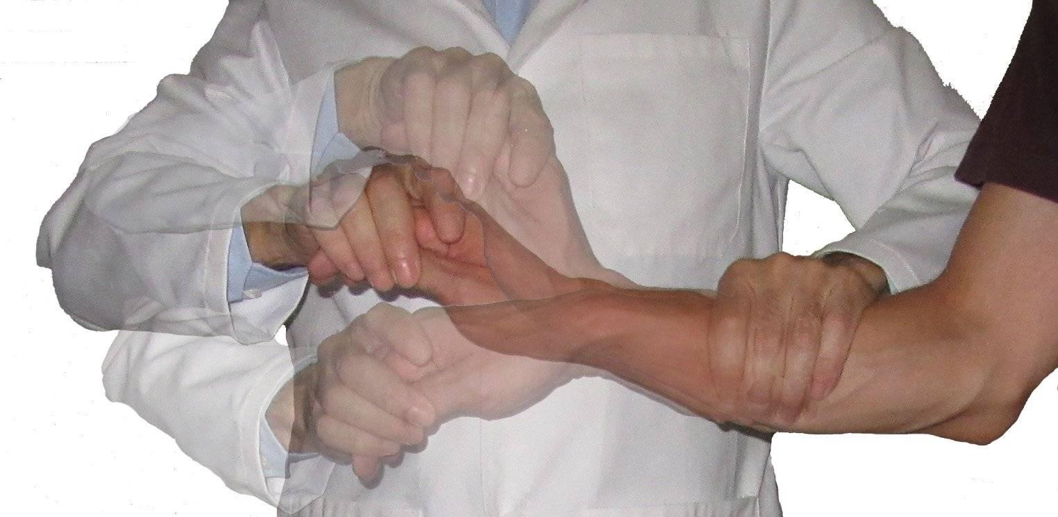 Почему возникает тремор рук  у взрослых, основные причины и лечение препаратами
