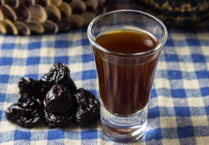 Как приготовить самогон на черносливе? рецепт сливовой настойки в домашних условиях | про самогон и другие напитки ? | яндекс дзен