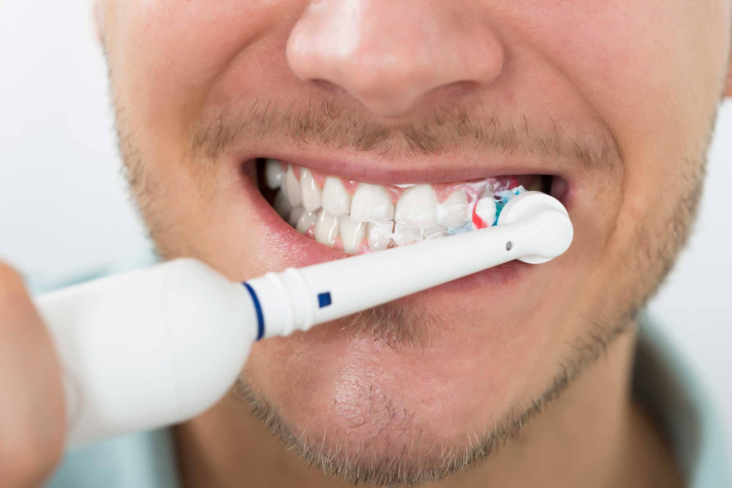 Желтеют ли от кальяна зубы