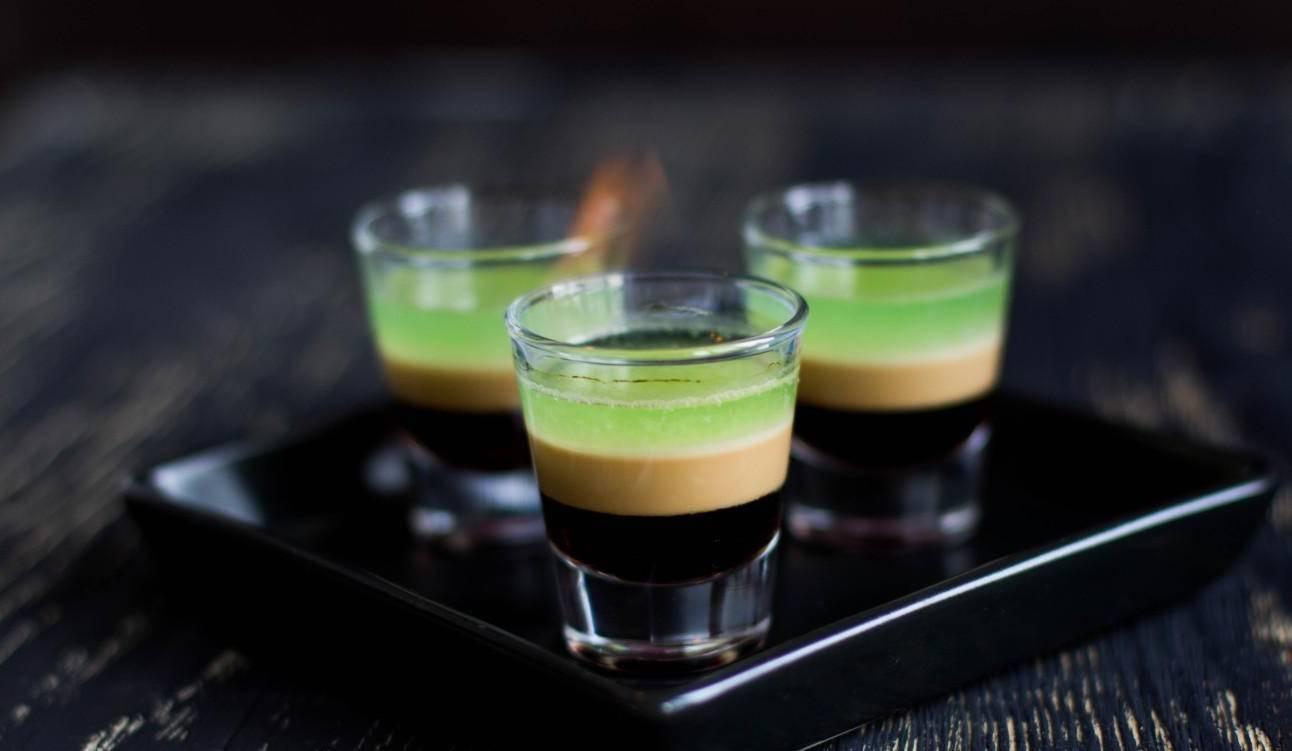 Рецепты приготовления коктейлей с самбукой в домашних условиях