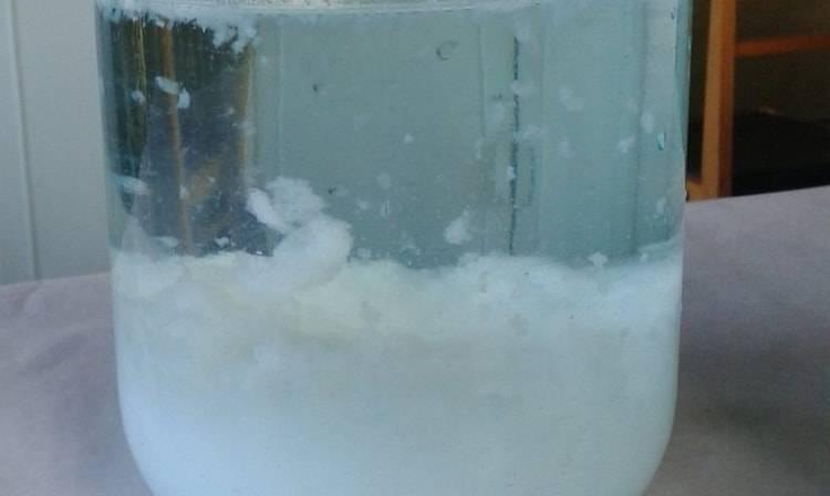 Очистка спирта молоком в домашних условиях – как марганцовкой очистить водку?