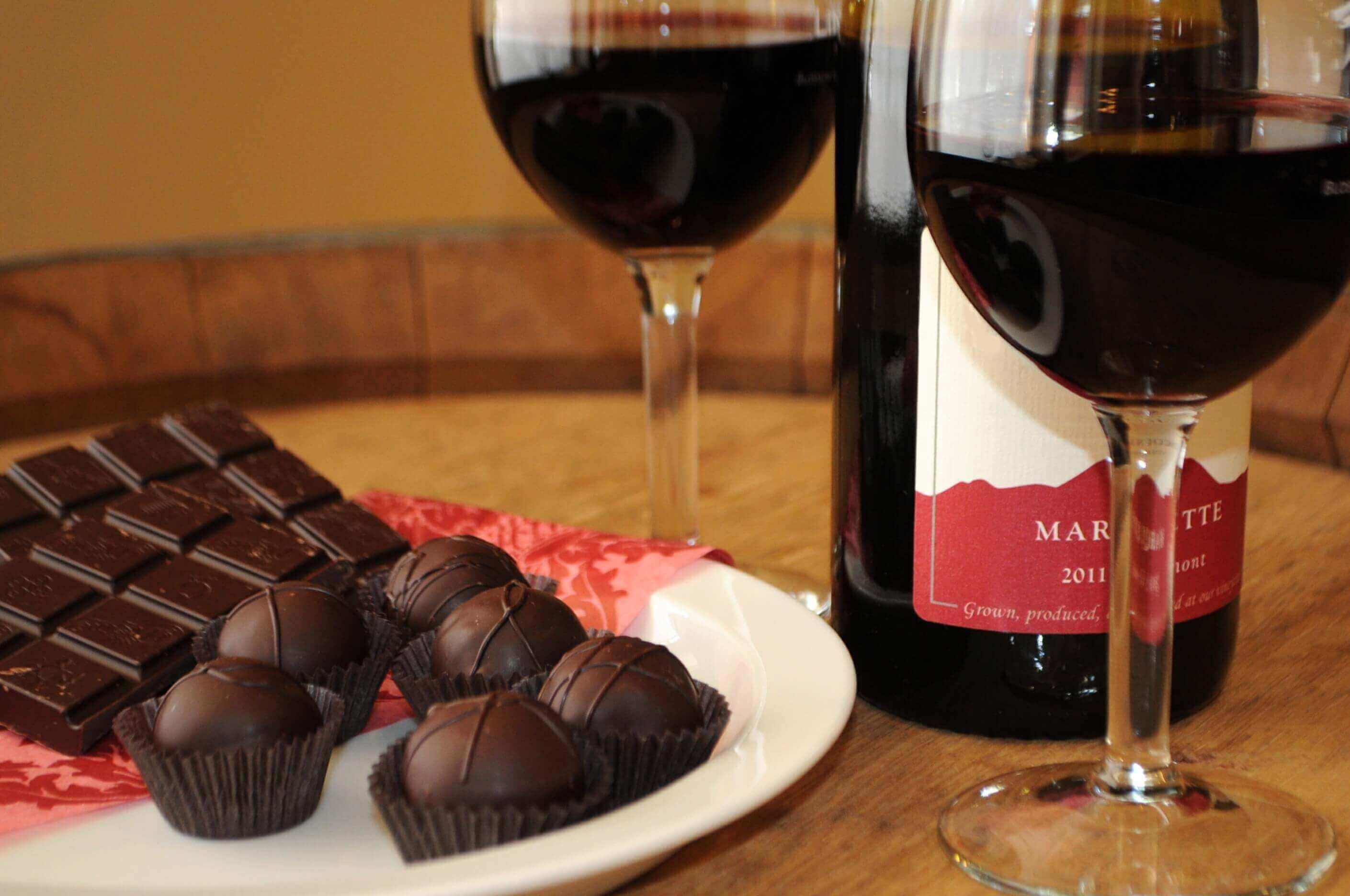 Как сделать коньяк «шоколадная гора» для романтического вечера? коньяк с шоколадом в домашних условиях