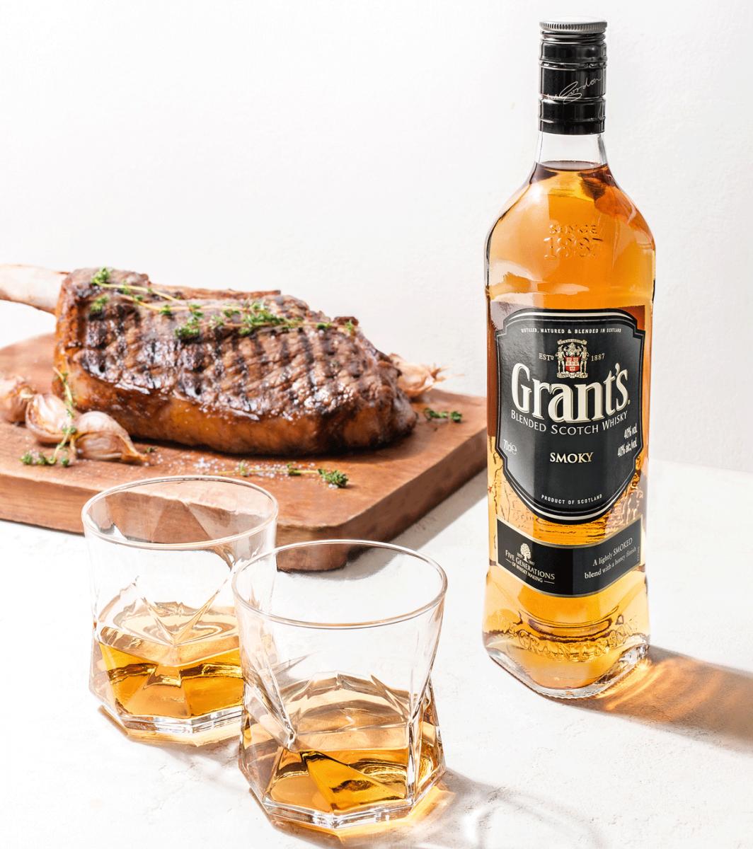 Как правильно пить виски: чем закусывать и с чем смешивать
