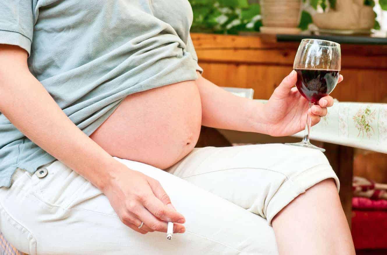 Алкоголь на ранних сроках беременности — можно ли?