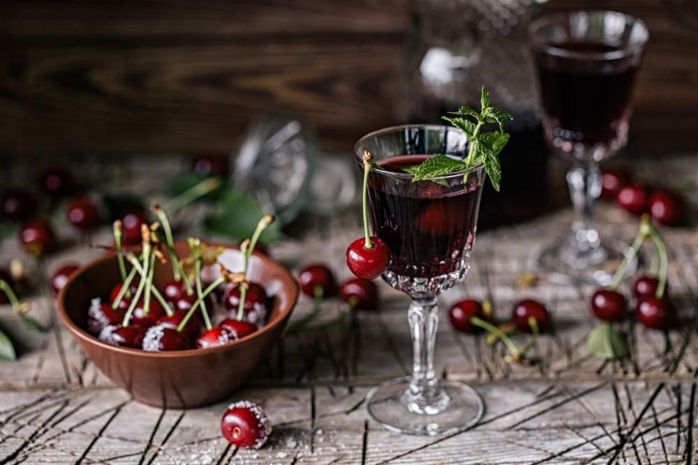 Наливка вишневая – кулинарный рецепт