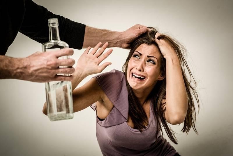 Как успокоить пьяного агрессивного мужа: что делать женщине?
