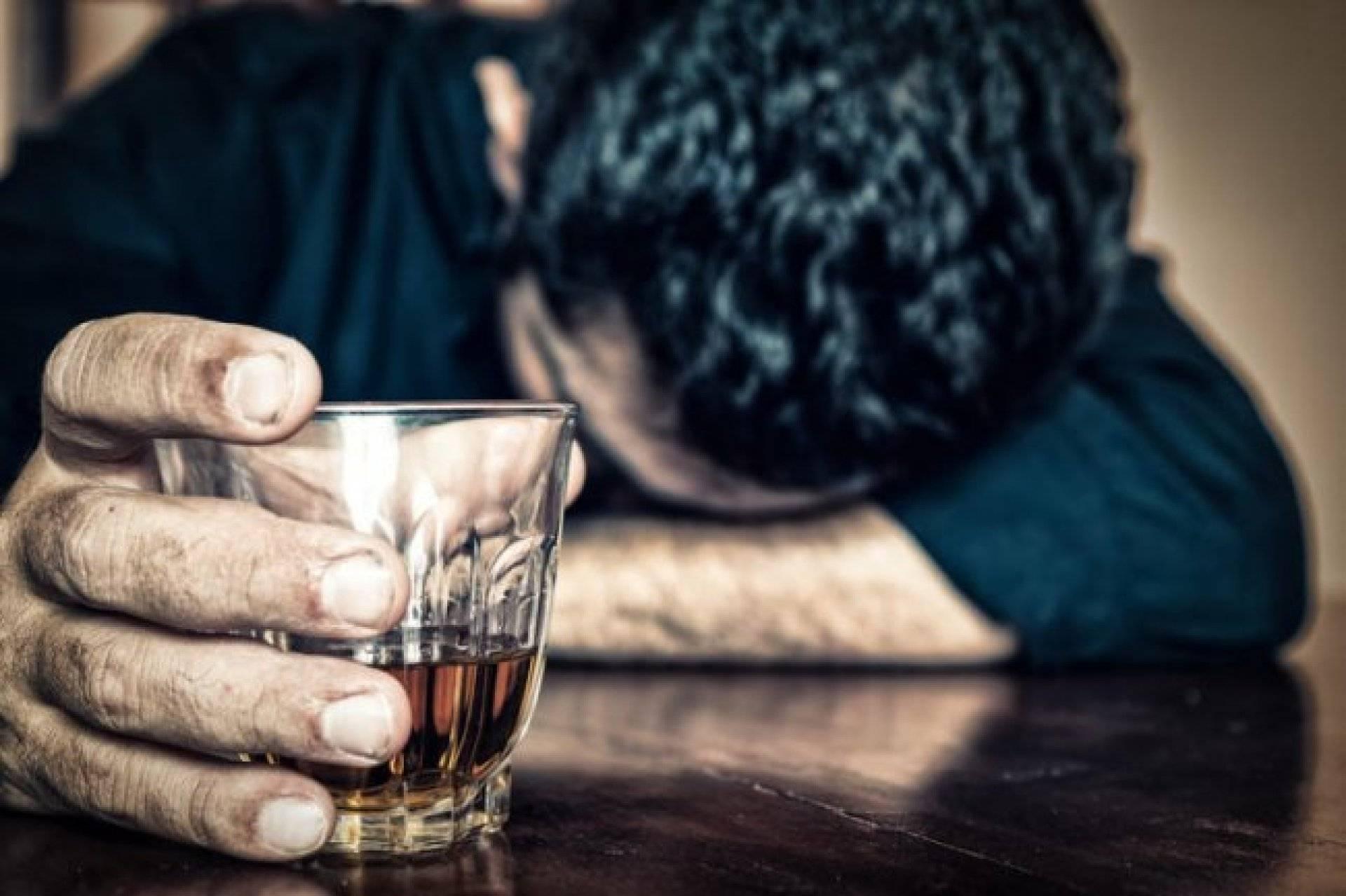 Есть вопрос: почему алкоголь делает людей агрессивными