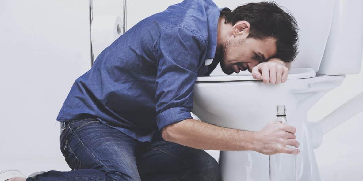 Тошнит после алкоголя: что можно сделать?