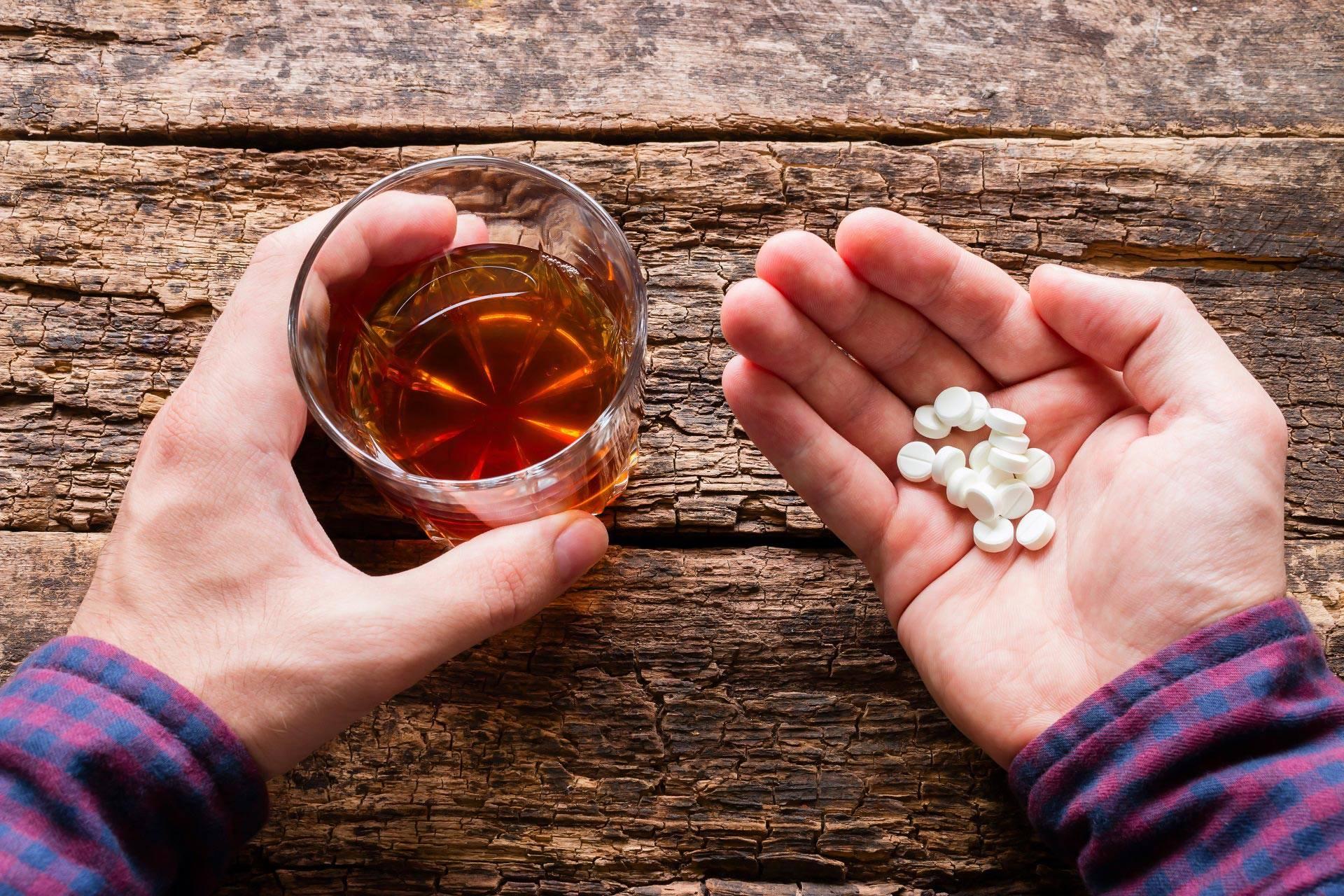 Снотворное с алкоголем: последствия употребления и смертельная доза отравление.ру снотворное с алкоголем: последствия употребления и смертельная доза