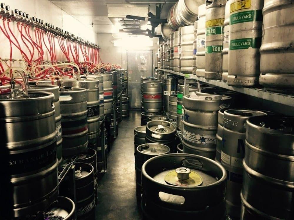 Как хранить пиво в бутылках или кегах — обобщенный взгляд