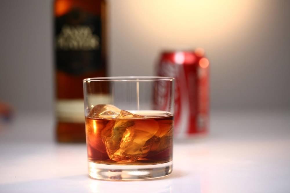 Топ 6 коктейлей с виски и яблочным соком
