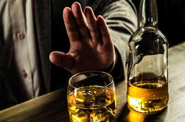 Провалы и потеря памяти после алкоголя (лакунарная амнезия): какие причины и как восстановить после опьянения?