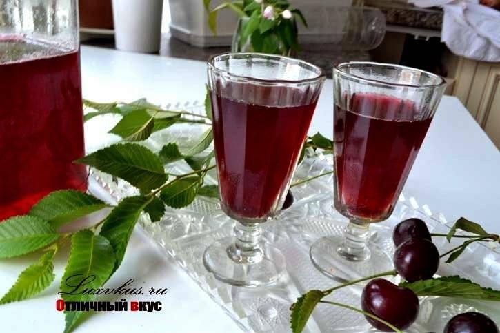 Вишневый ликер: 9 рецептов в домашних условиях