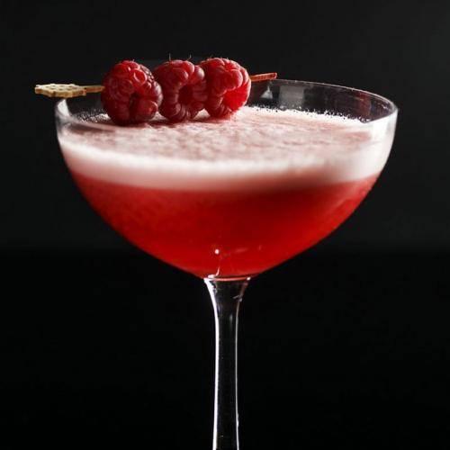 Рецепты приготовления коктейля Кловер клаб
