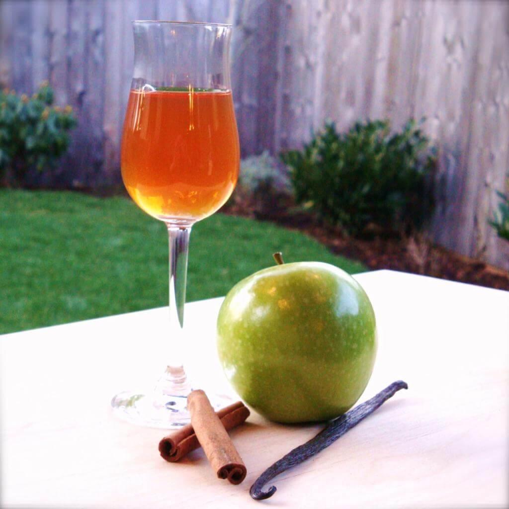 Приготовление наливки из яблок в домашних условиях