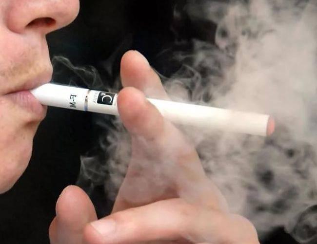 Почему возникает икота при курении