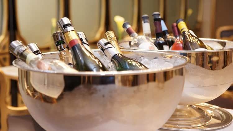 Сколько калорий в бутылке шампанского полусладкого