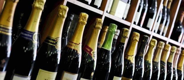 Сколько бутылок в ящике вина 0 75?