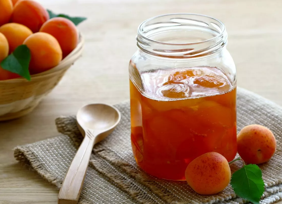 Самогон из абрикосов в домашних условиях: рецепт с фото