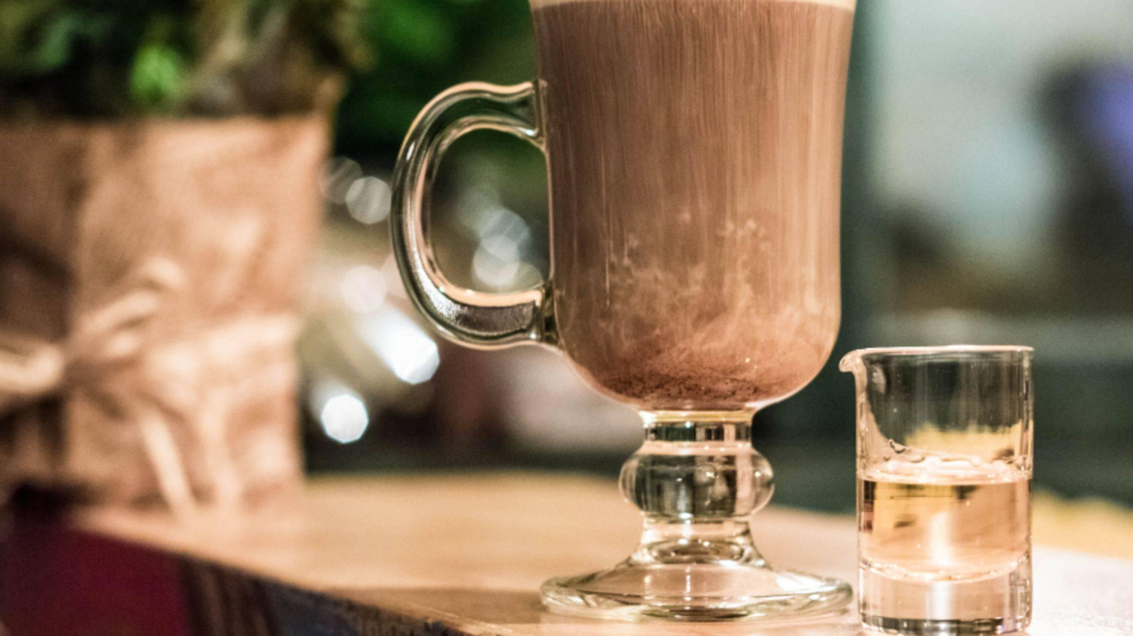 Рецепт кофейного коктейля — айриш кофе, он же ирландский кофе