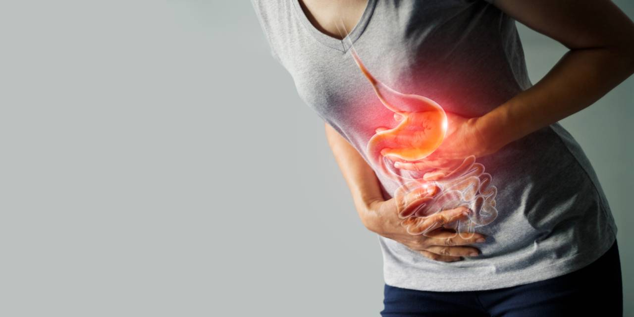 Боли в животе после алкоголя - почему после алкоголя болит живот?
