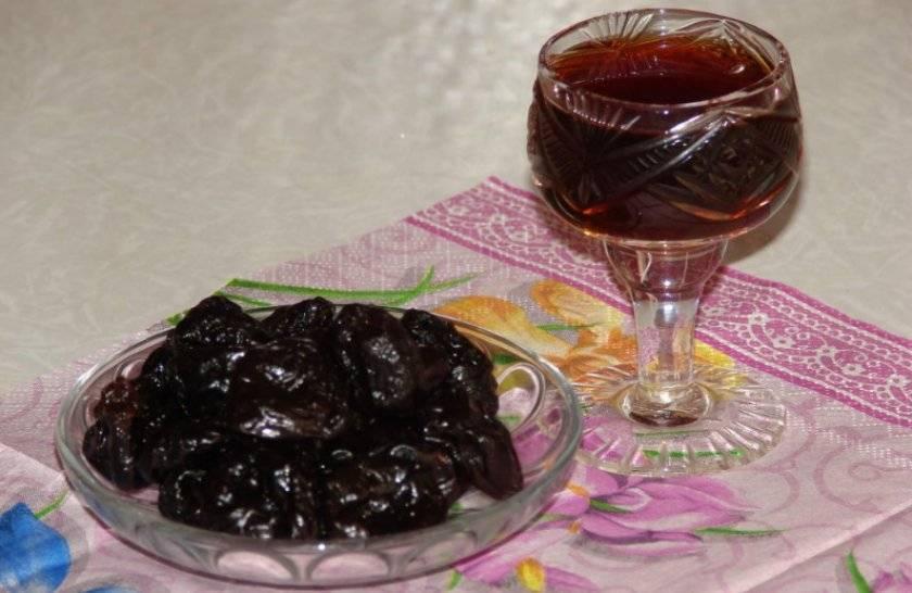 Как приготовить самогон на черносливе в домашних условиях