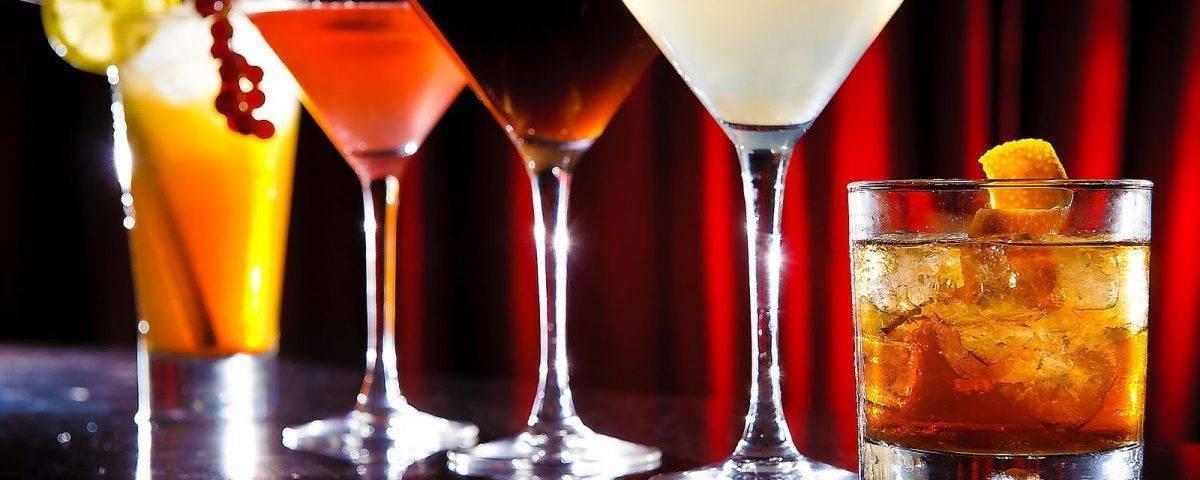 Коктейли с шампанским – 15 игристых рецептов