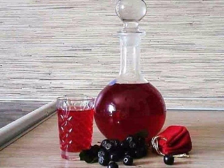 Смородиновая настойка: 9 рецептов в домашних условиях