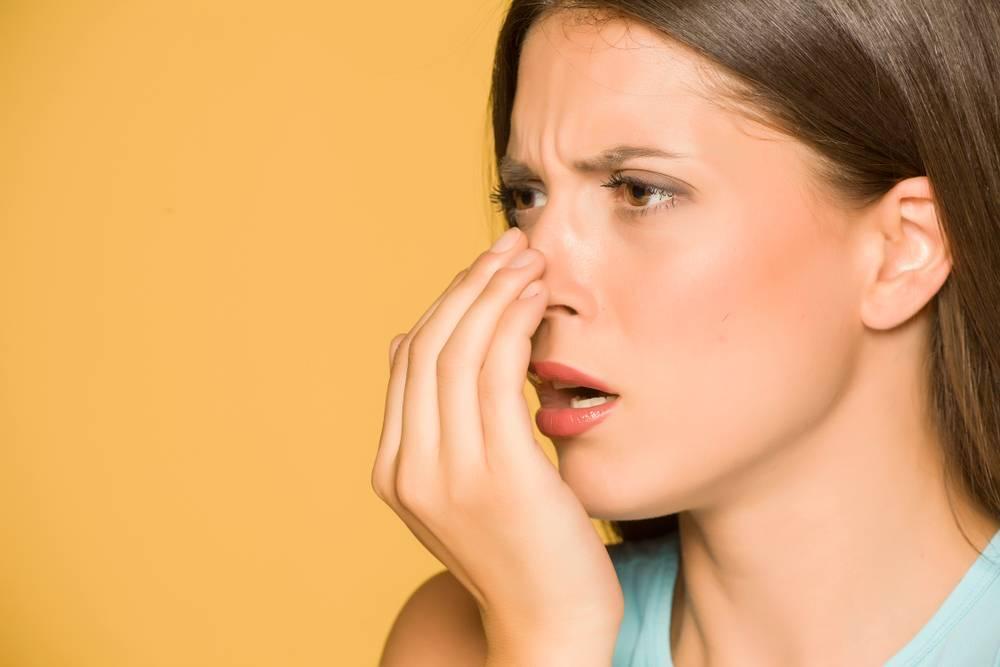 Как эффективно и быстро избавиться от запаха перегара изо рта