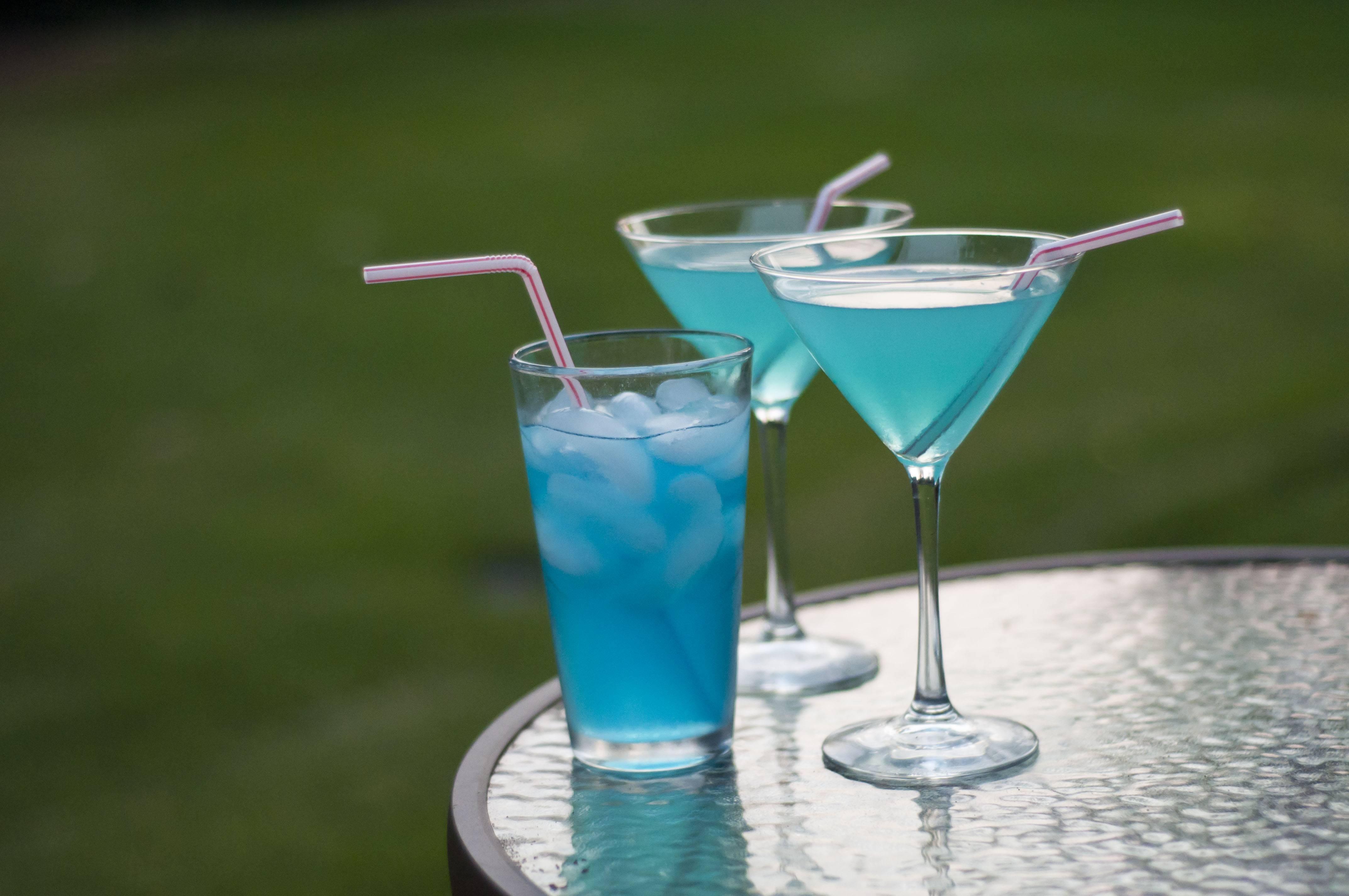 Рецепты приготовления коктейля Голубая лагуна