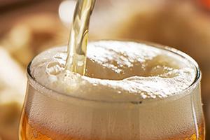 Почему возникает понос после алкоголя - алкогольная диарея