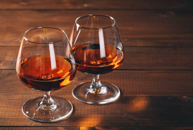 Ром или виски: понятие, общие черты и отличия напитков