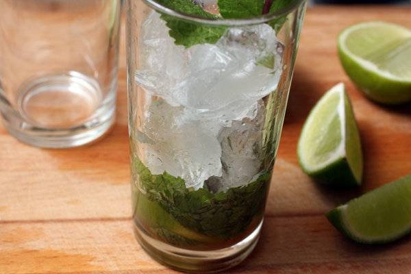 Как приготовить мохито алкогольный: рецепт в домашних условиях