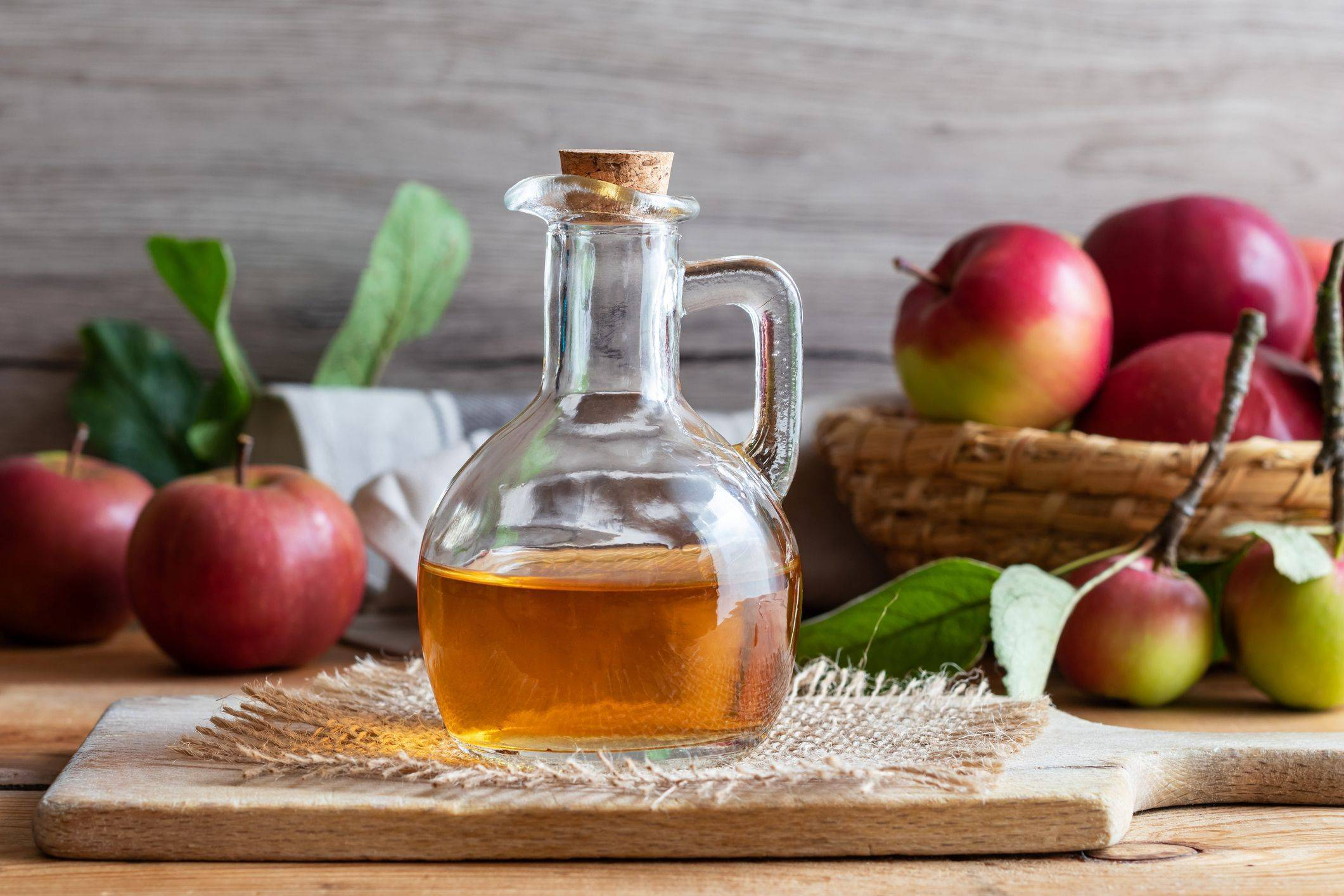 Готовим яблочный уксус в домашних условиях: 5 лучших рецептов