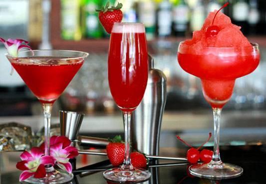 Эффектные внешне и изысканные на вкус — коктейли с гренадином. Как приготовить дома?